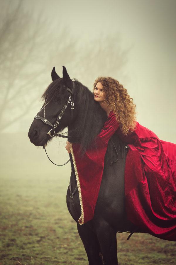 Sesja z koniem, zdjęcia jeździeckie, sesja konnaSesja z koniem, zdjęcia jeździeckie, sesja konna